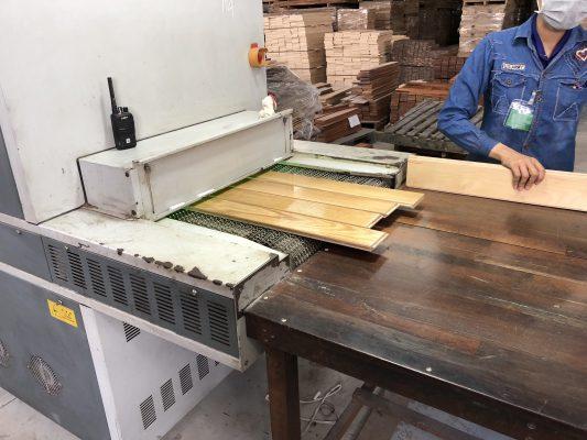 Sơn phủ sàn gỗ kỹ thuật