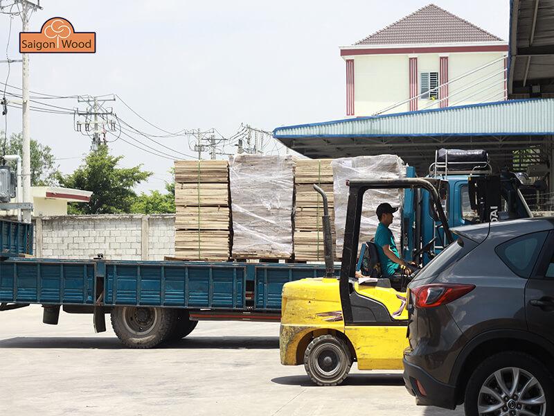 vận chuyển sàn gỗ kỹ thuật