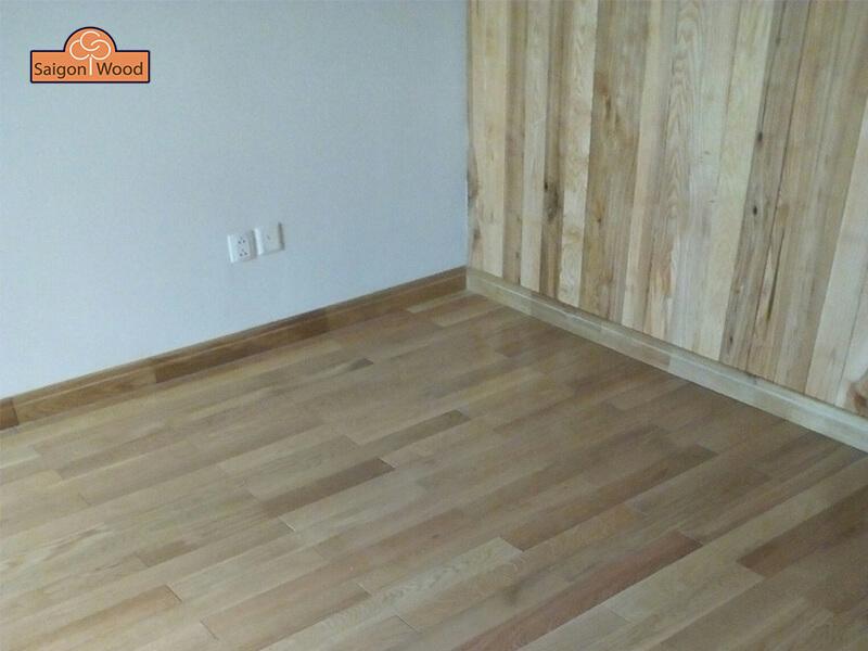 len tường sàn gỗ